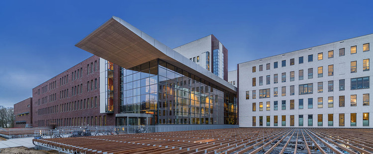 Meander Medical Center / atelierpro, © John Lewis Marshall