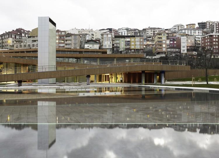 Centro Cultural y Salón para Matrimonios Eyüp / Emre Arolat Architects, © Cemal Emden