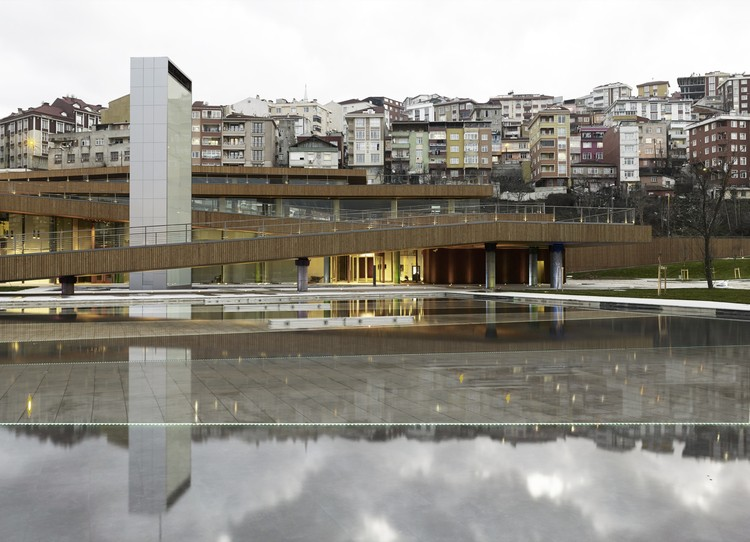 Centro Cultural e Espaço de Casamentos Eyüp / Emre Arolat Architects, © Cemal Emden
