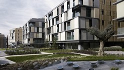 Ulus Savoy Residences / Emre Arolat Architects