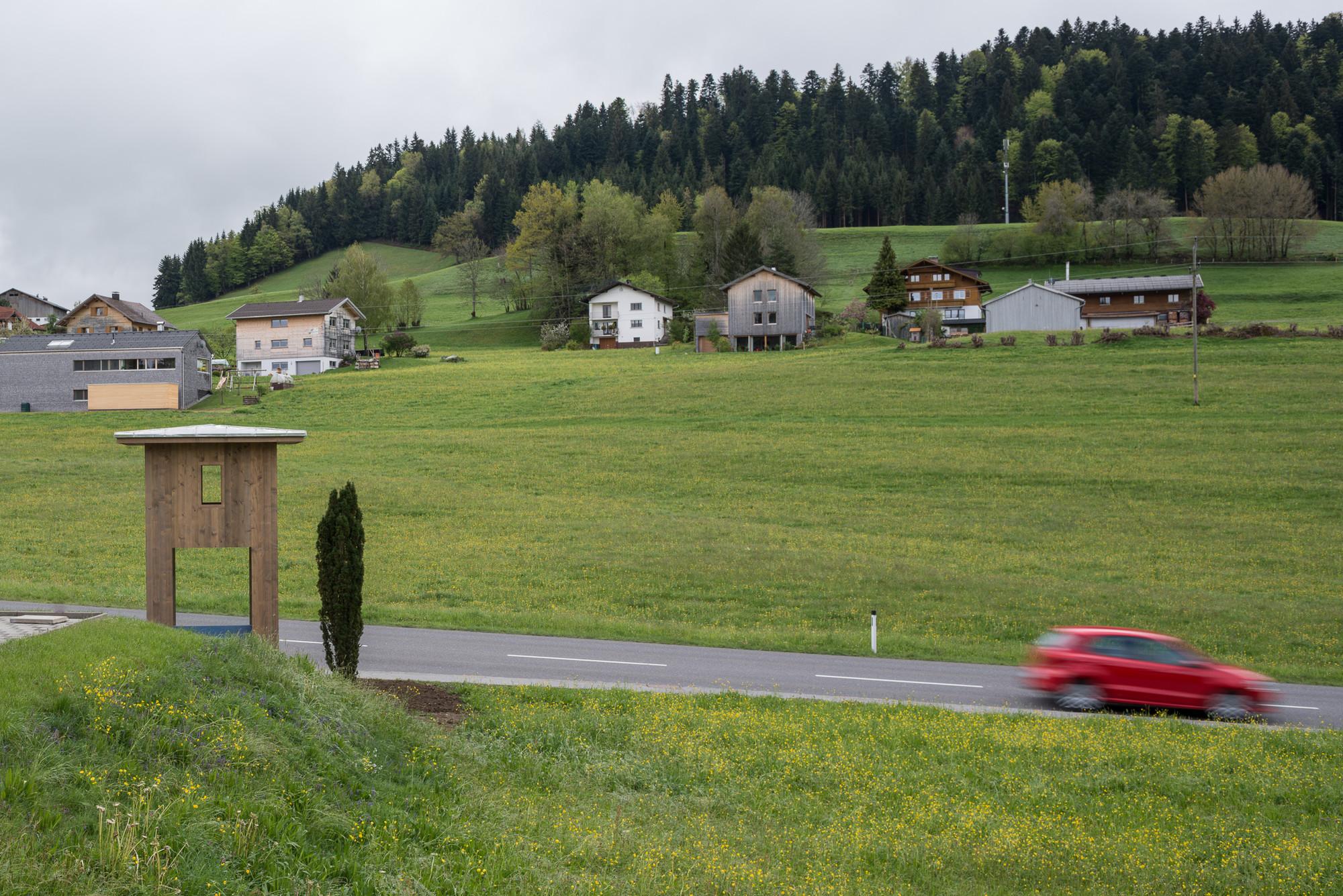 Galer a de bus stop revela los 7 paraderos de bus for Arquitectos importantes