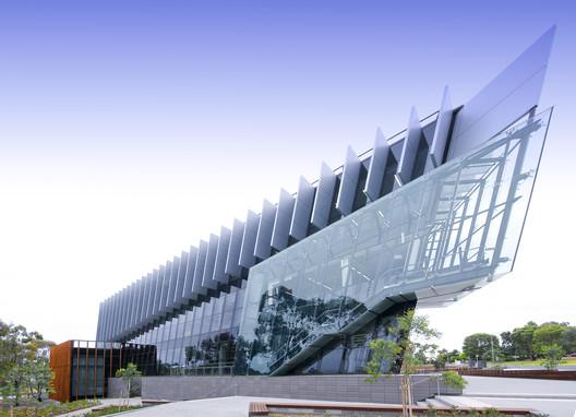 Deakin University Regional Community Health Hub [REACH] / DesignInc