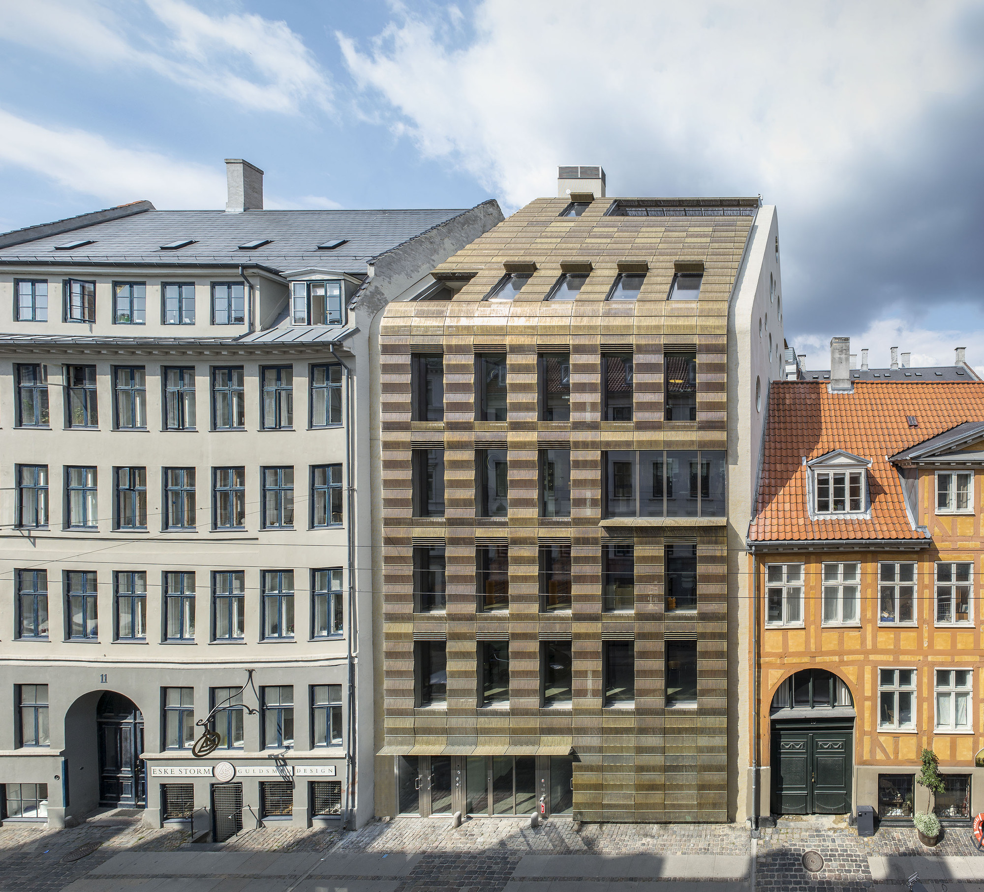 Trollbeads house bbp arkitekter archdaily for Mansard architecture