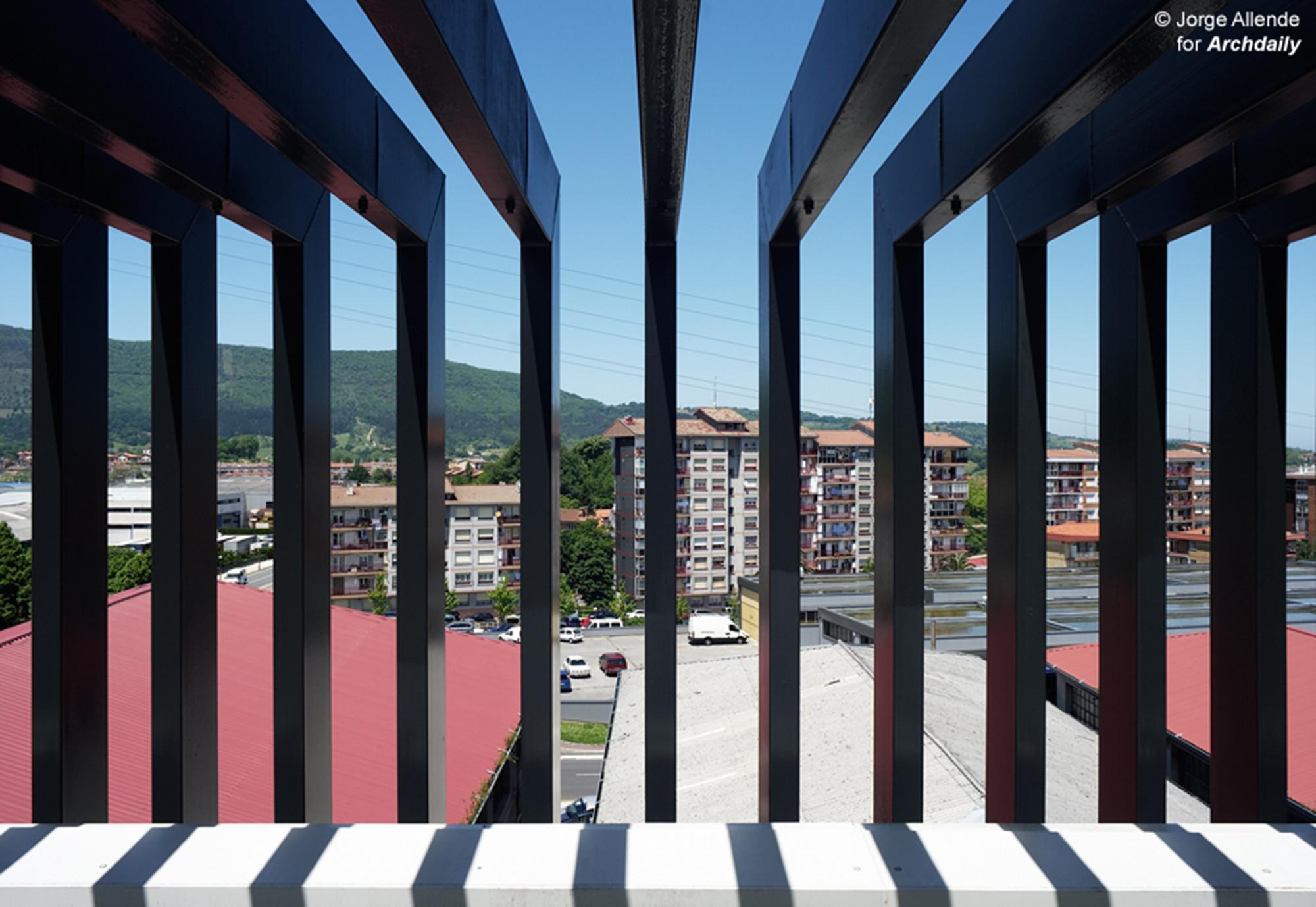 Gordailu Building / Astigarraga y Lasarte