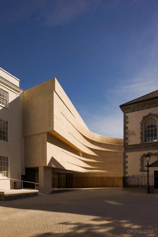 ArchDaily Brasil seleciona 20 impressionantes museus do século XXI, Museu Medieval em Waterford / Waterford City Council Architects. Imagem © Philip Lauterbach