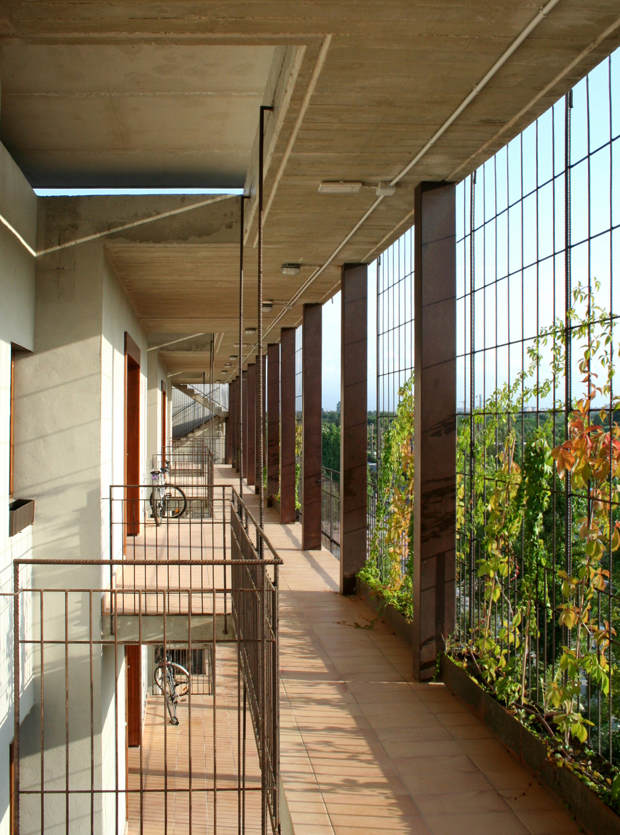 Gallery of 80 viviendas de protecci n oficial en salou toni giron s 13 - Casas proteccion oficial ...