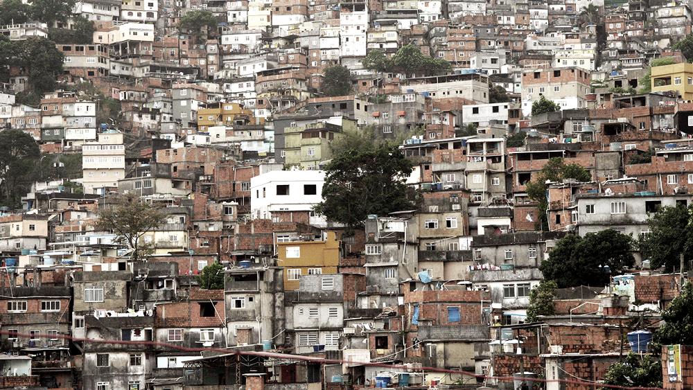 """Seminário """"Desafios da prosperidade local: o programa de melhorias habitacionais em favelas"""", no IAB-RJ, Courtesy of latamcity"""