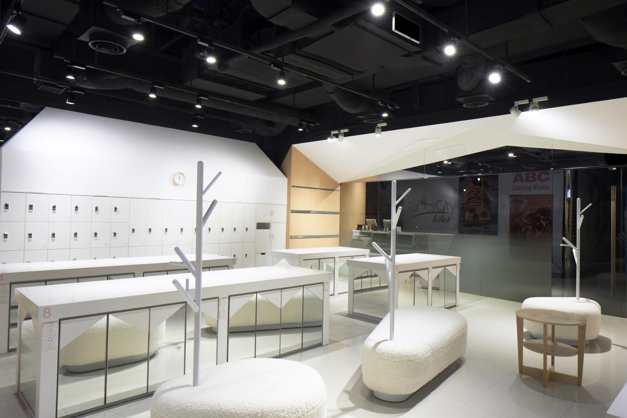 Gallery of ABC Cooking Studio / Prism Design - 10