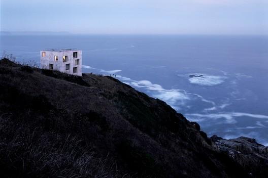 Poli House / Pezo von Ellrichshausen. Image © Cristobal Palma / Estudio Palma