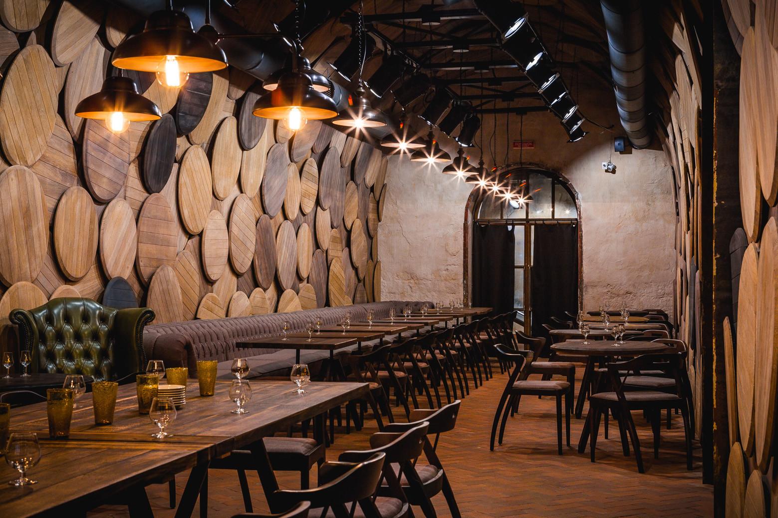 Gallery of shustov brandy bar studio belenko 6 - Decoracion de interiores originales ...