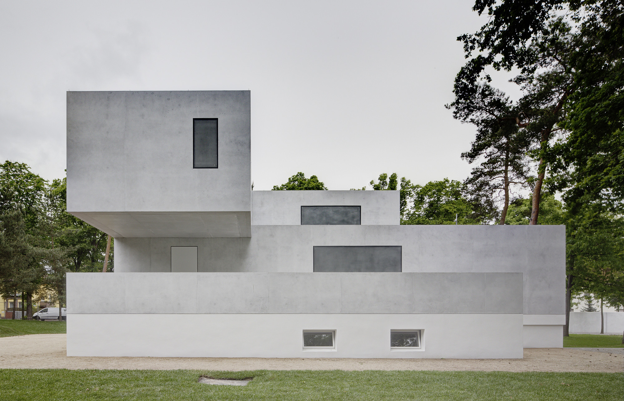 Bauhaus Masters' Houses Restored, Now Open to Public, The newly renovated Gropius House. Image courtesy of the Bauhaus Dessau Foundation. Image © Christoph Rokitta