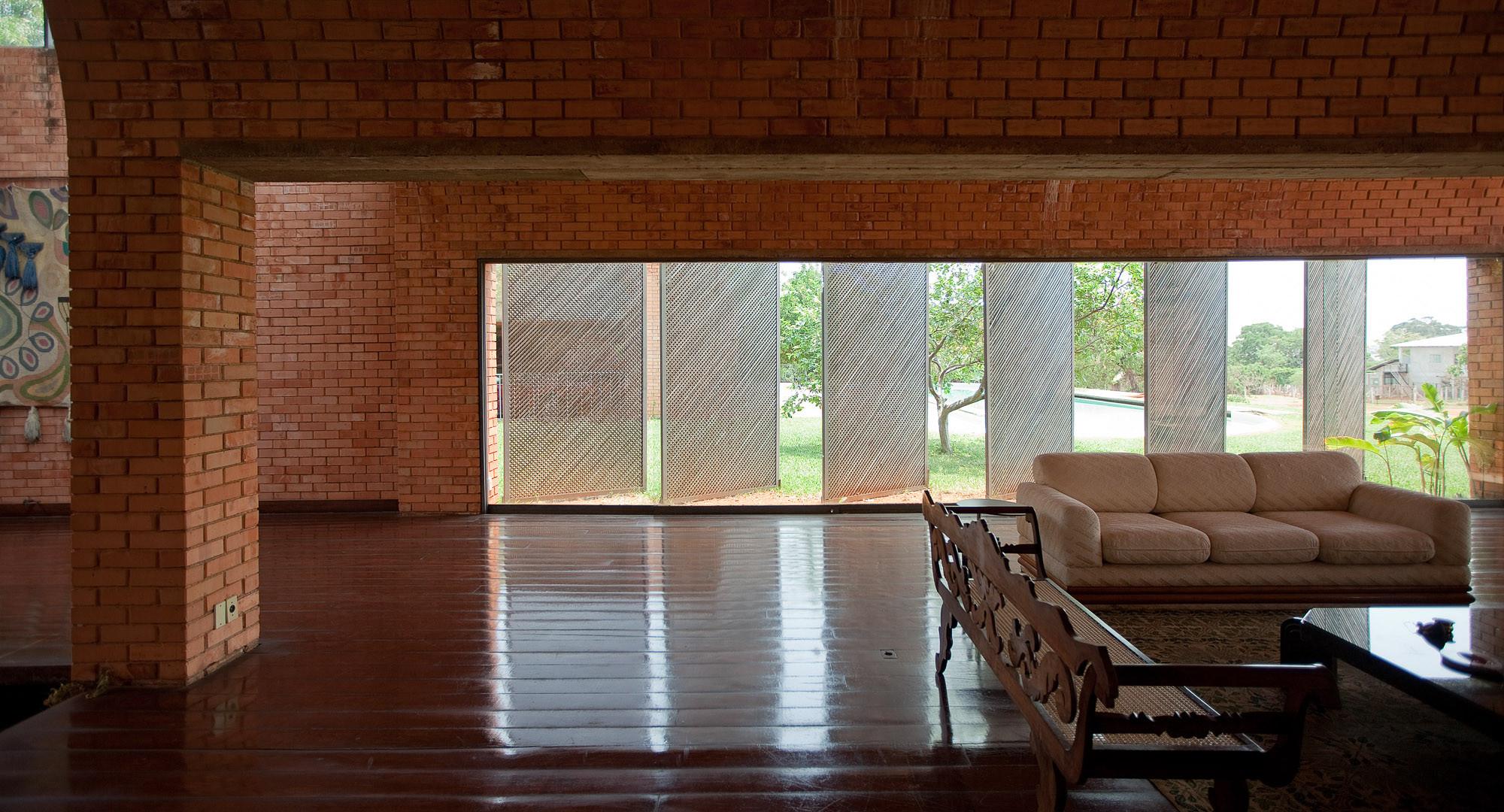 The works of the late jo o filgueiras lima brazilian icon - Hostel casa dos arcos ...