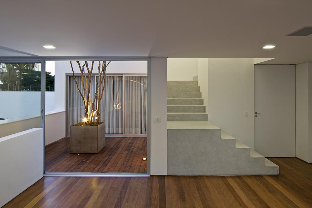 Gallery of patio house ar arquitetos 16 for Patios para casas pequenas