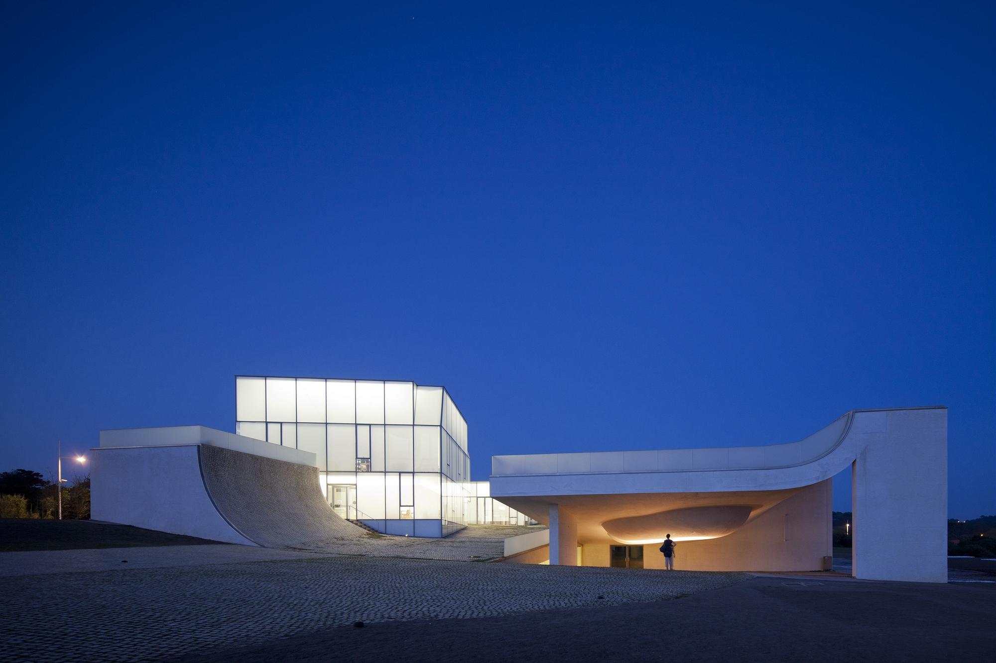 Cité de l'Océan et du Surf: iluminación de un espacio expositivo que se extiende a través del paisaje, © FG +SG Ultimas Reportagens