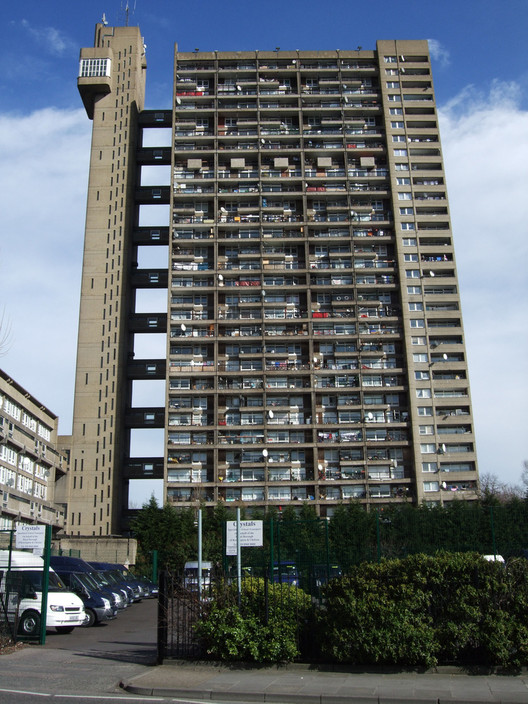The (Home-Grown) Threat to London's Architectural Future, Some of London's most recognizable designs have come from foreign architects - like Ernö Goldfinger's Trellick Tower. Image © Flickr CC User Jim Linwood