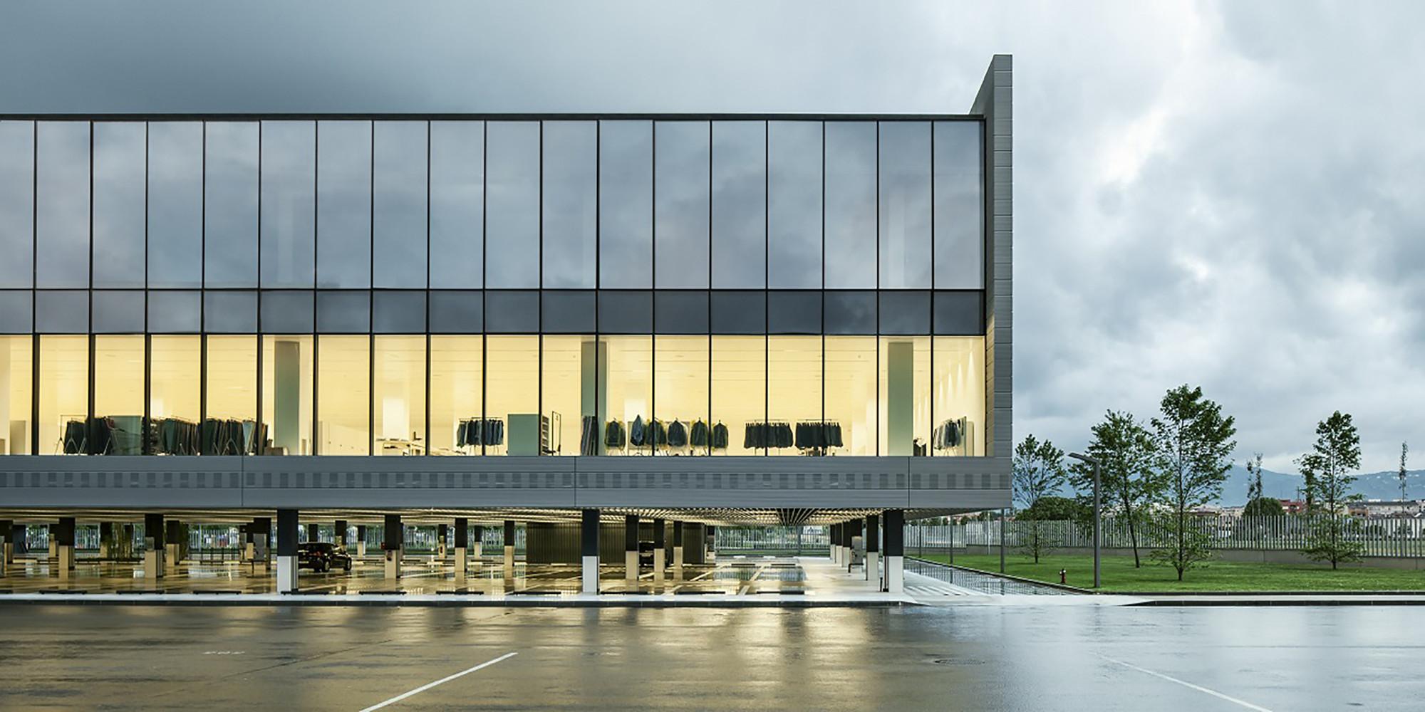 New Massimo Dutti Headquarters In Tordera  / Battle i Roig Architectes, © Jordi Surroca