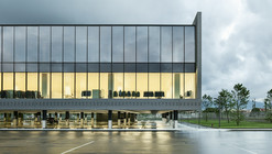 New Massimo Dutti Headquarters In Tordera  / Battle i Roig Architectes