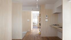 Habitación de Múltiples Capas / Camp Design Inc + Sumosaga Fudosan