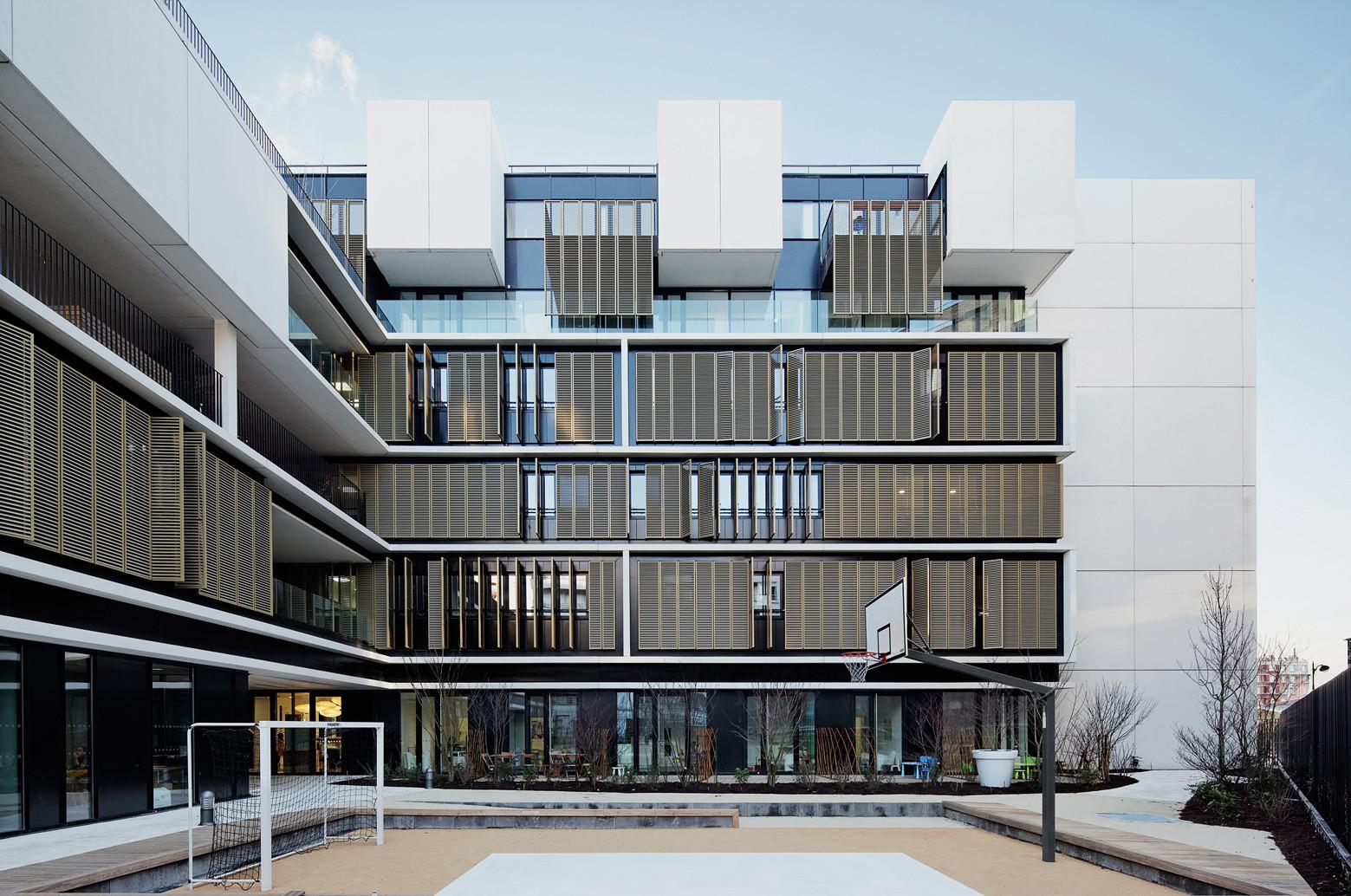 Centro de Bem-estar para crianças e adolescentes em Paris / Marjan Hessamfar & Joe Verons architectes associes, © Vincent Fillon