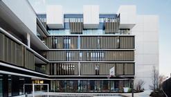 Centro de Bem-estar para crianças e adolescentes em Paris / Marjan Hessamfar & Joe Verons architectes associes