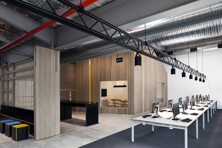 Habilitación Oficinas Unit T2 Goodman / MAKE Creative, © Luc Remond