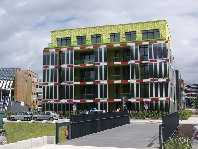 Arup's Latest Solar Panels Produce Energy From Algae, The BIQ House.  Image via Flickr . Used under <a href='https://creativecommons.org/licenses/by-sa/2.0/'>Creative Commons</a>