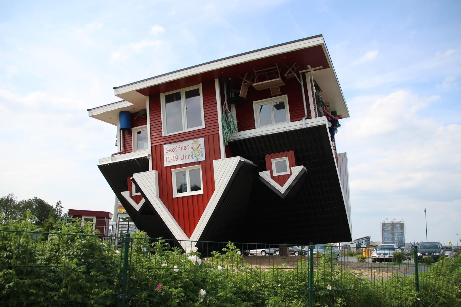 Casa de ponta cabeça vira atração turística na Alemanha
