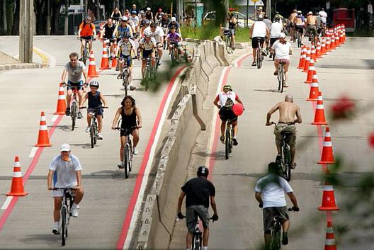 40 mil vagas de estacionamento deixarão de existir para dar lugar a ciclovias em São Paulo, Courtesy of Estadão