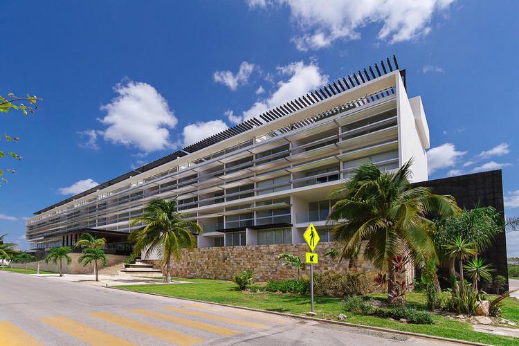 Departamentos Algarrobos / Seijo Peon Arquitectos y Asociados, © Tamara Uribe