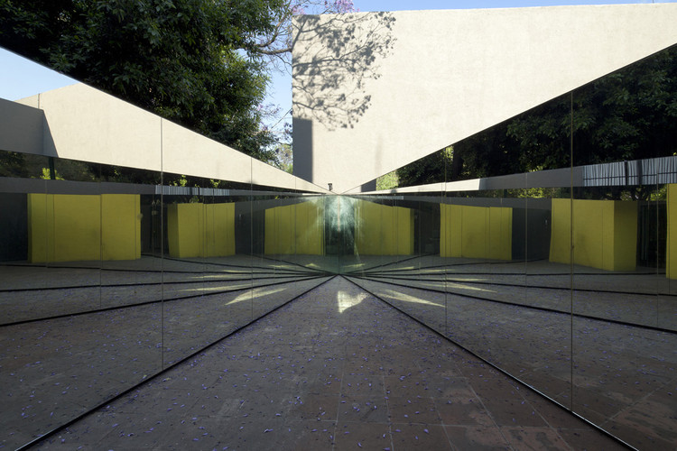 Desplaza[miento] Pabellón Semblanza Mathías Goeritz /  Museo Experimental el Eco, © Ramiro Chaves. Cortesía del Museo Experimental el Eco, ciudad de México