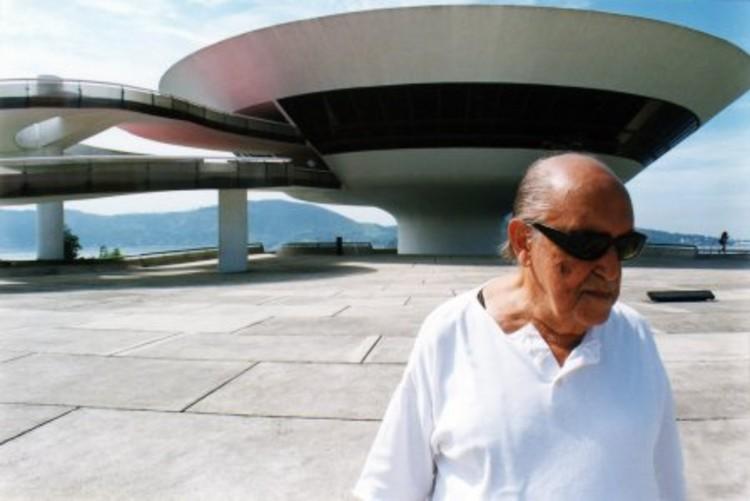"""Cine y Arquitectura: """"La Vida Es Un Soplo"""""""