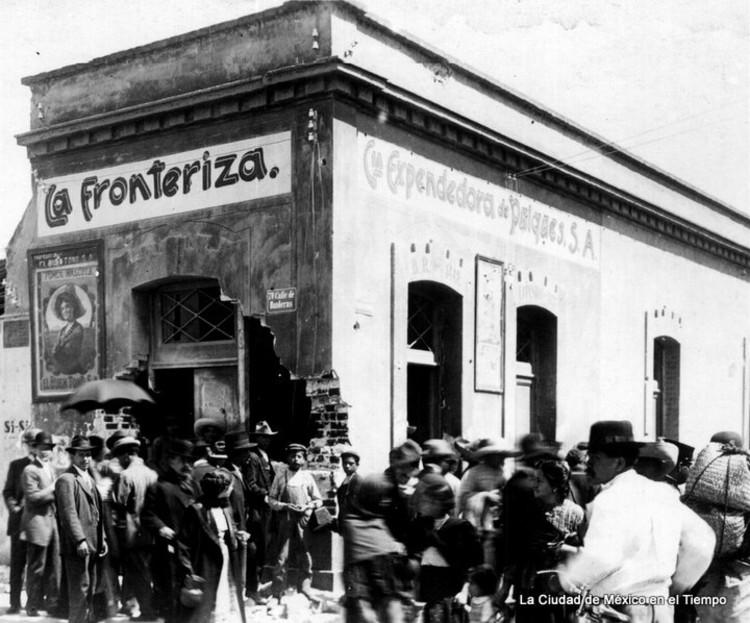 Archivo Histórico Fotográfico: Cantinas y Pulquerías de la ciudad de México.