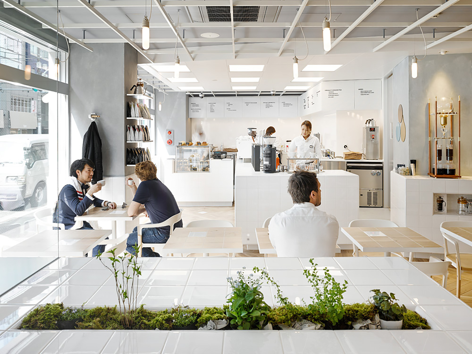 Cafe coutume aoyama cut architectures