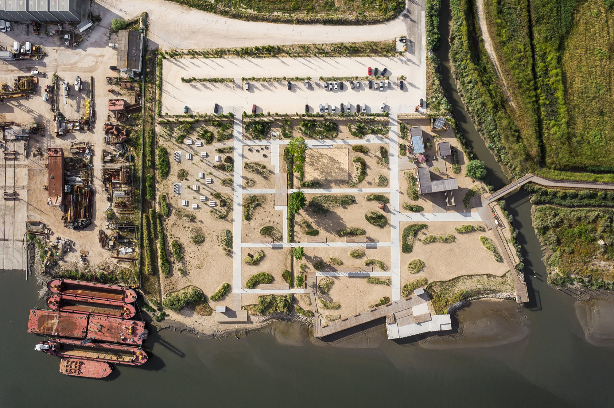 Tagus linear park topiaris landscape architecture for Area landscape architects