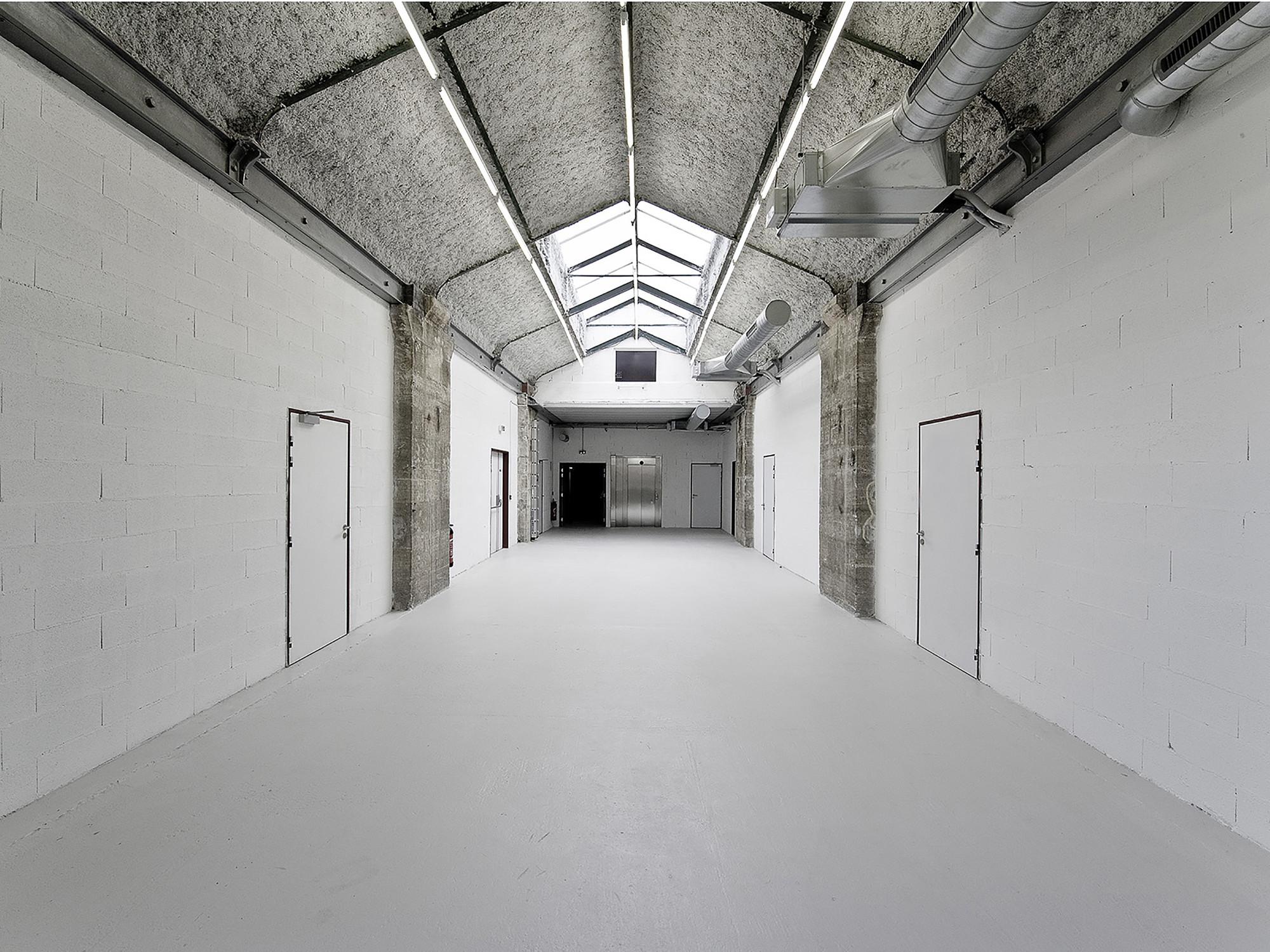 Warehouse transformation into Visual Arts School  / Matthieu Place  + Thomas Raynaud, Courtesy of Thomas Raynaud