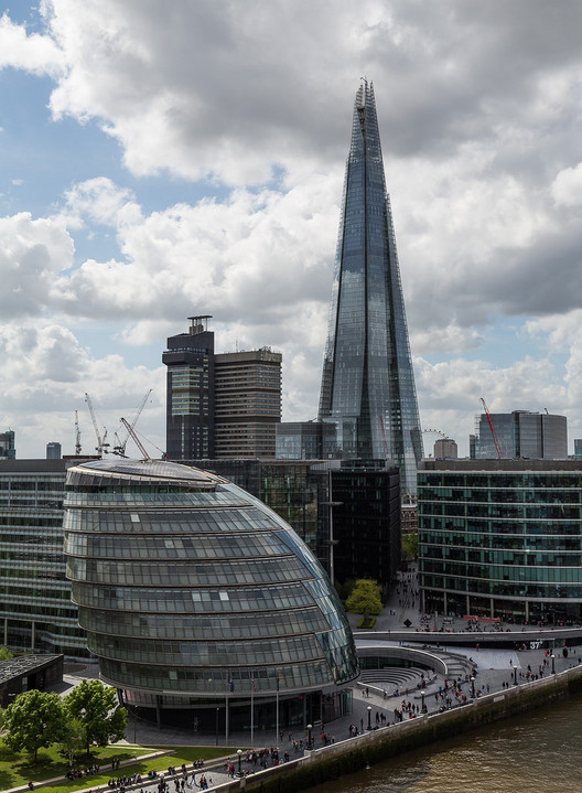 London Skyline Debate Taken to City Hall, The Norman Foster-designed London City Hall with the Shard in the background. Image © Flickr CC User alh1
