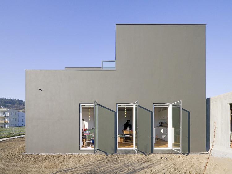 House 9,74 x 9,74 / f m b architekten, Courtesy of f m b architekten