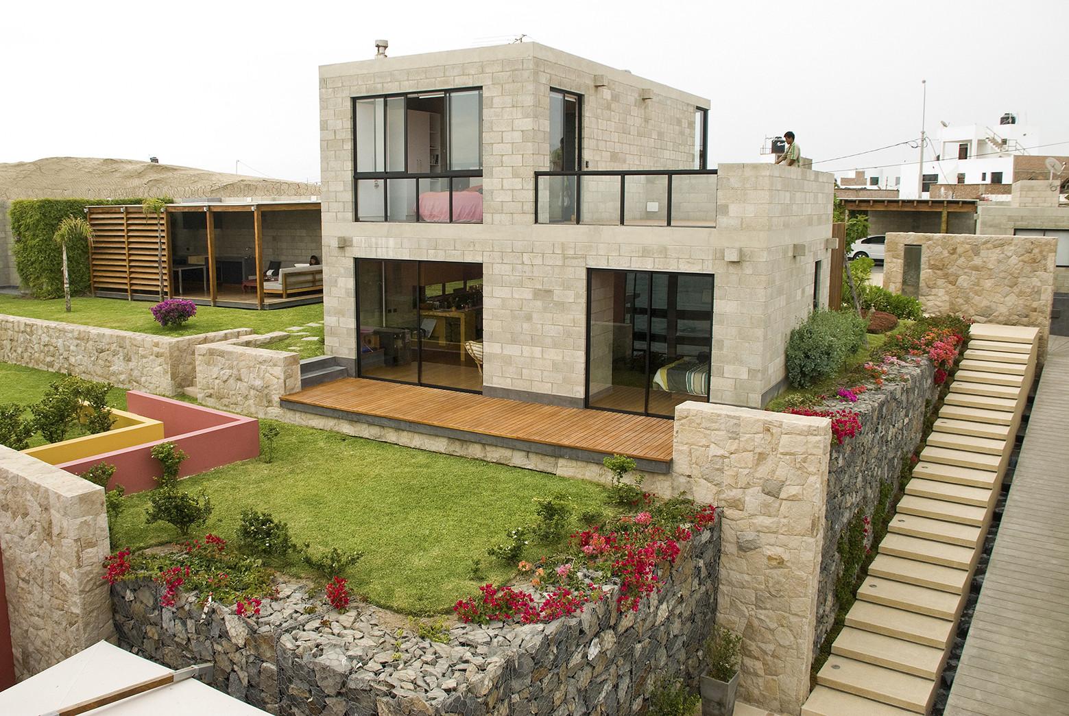 Casa alr vicca verde plataforma arquitectura - Casa con terreno ...