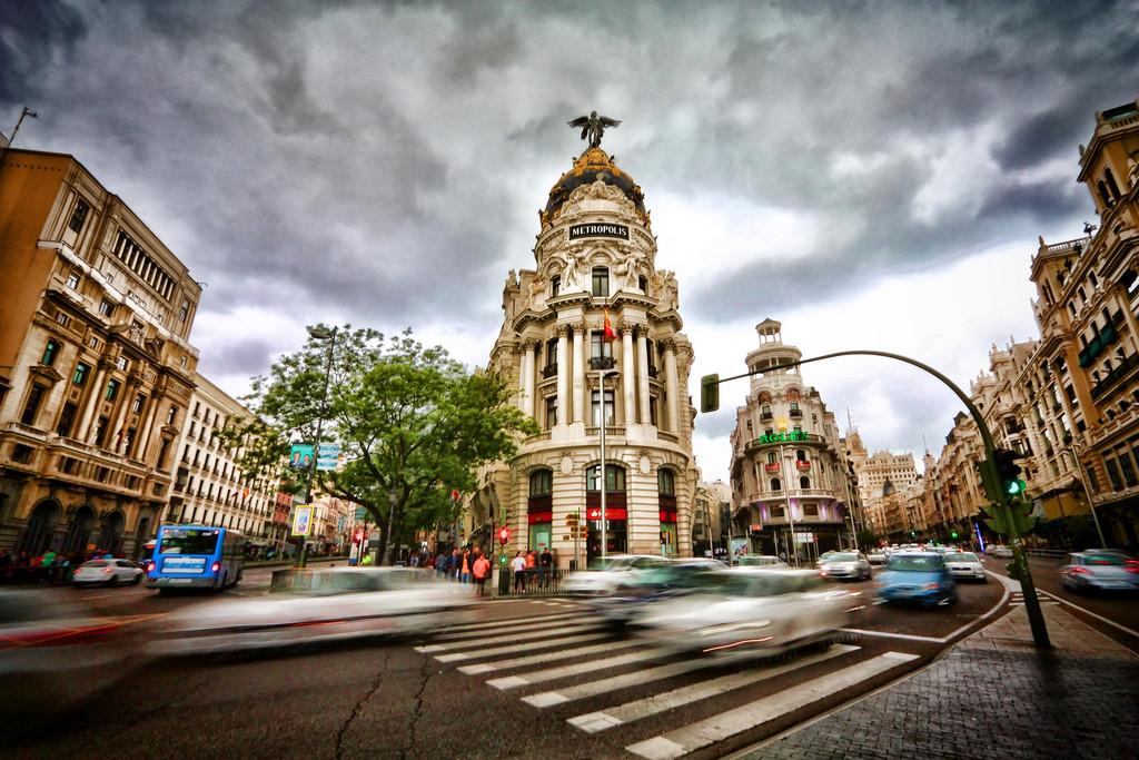 O Plano de Mobilidade Urbana Sustentável que busca diminuir o uso do automóvel em Madri, Gran Vía Madrid © trioptikmal, via Flickr. Used under <a href='https://creativecommons.org/licenses/by-sa/2.0/'>Creative Commons</a>