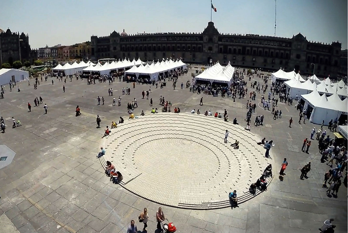El Zócalo: uma instalação temporária na praça central da Cidade do México, © Alberto Odériz