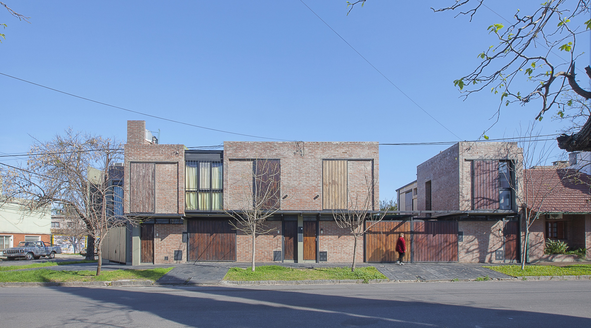 Alberdi Dwellings  / Castellitti Bertoni Arquitectos, © Federico Cairoli