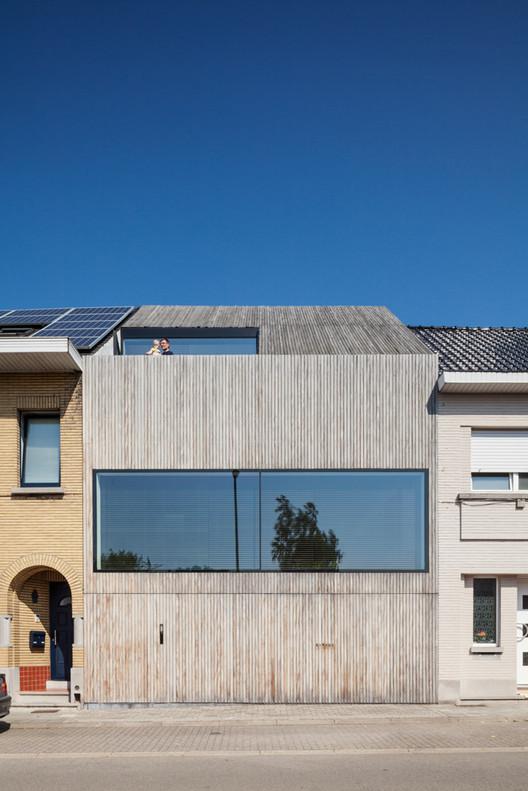 Casa de madera CM / Bruno Vanbesien + Christophe Meersman, © Tim Van de Velde