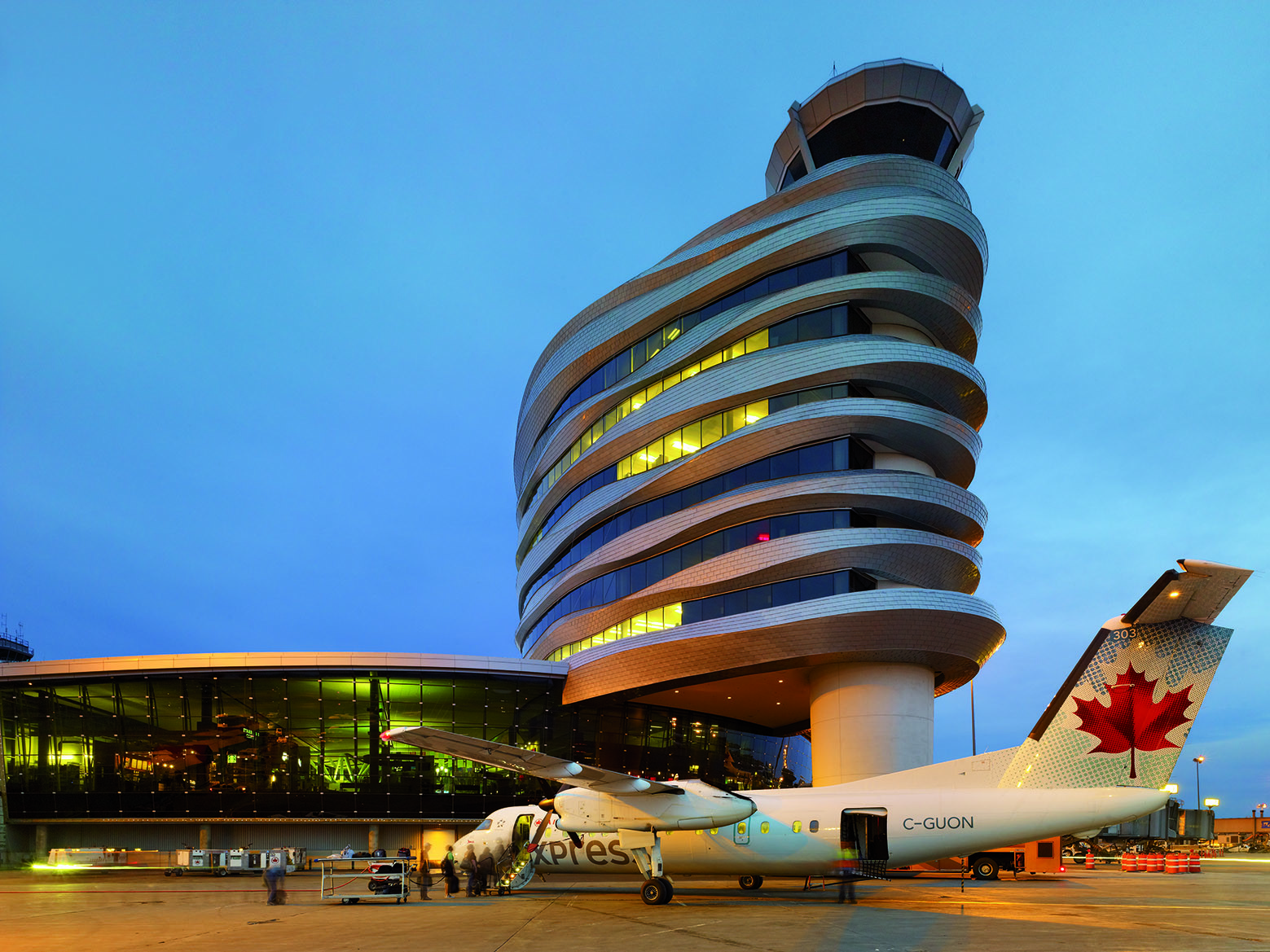 Gallery of Edmonton Airport Offices and Control Tower / DIALOG - 7