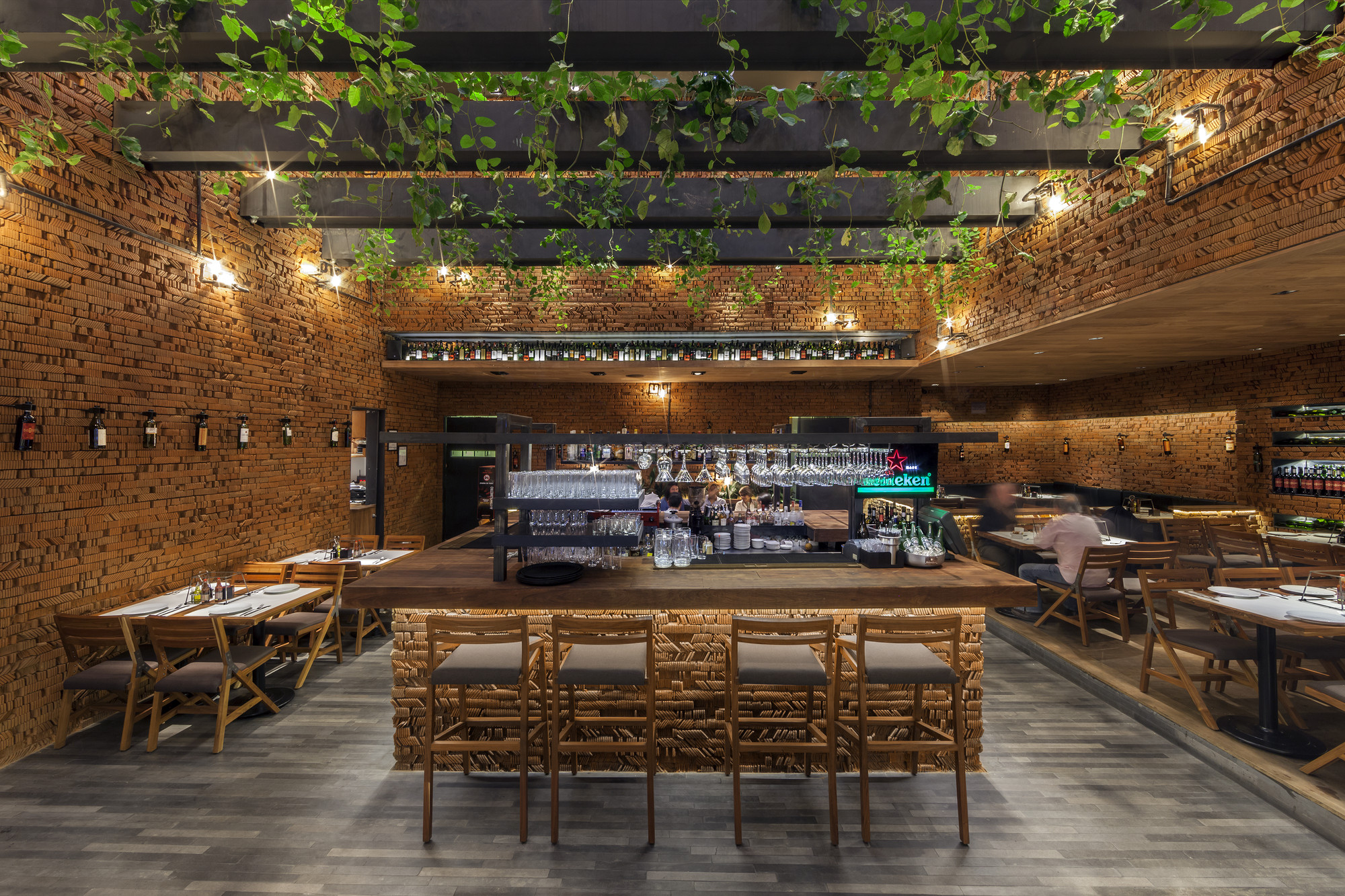 Restaurante 50 friends cherem arquitectos archdaily for Restaurante arquitectura