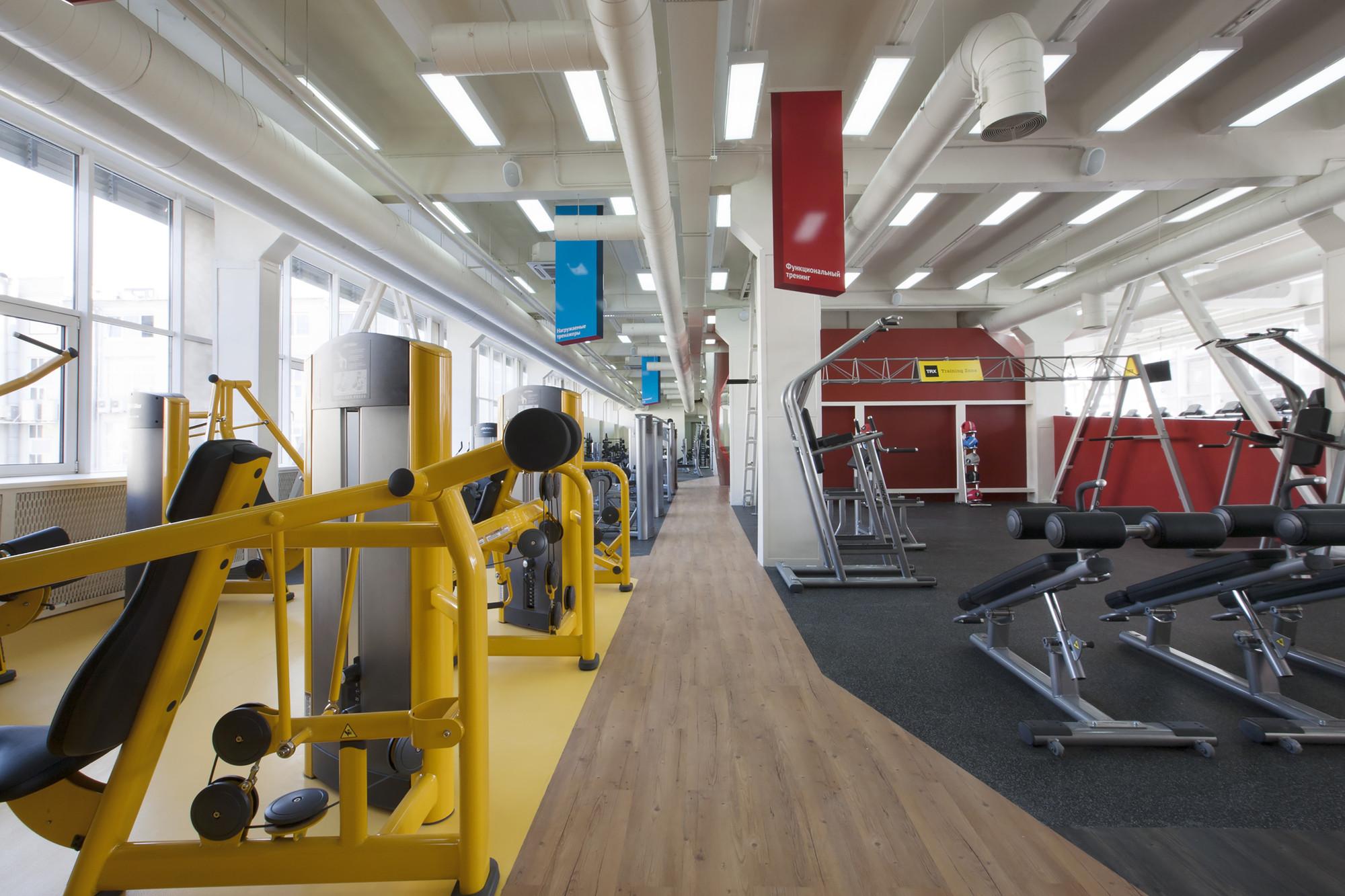 Gallery of Smena Fitness Club / za bor architects - 5