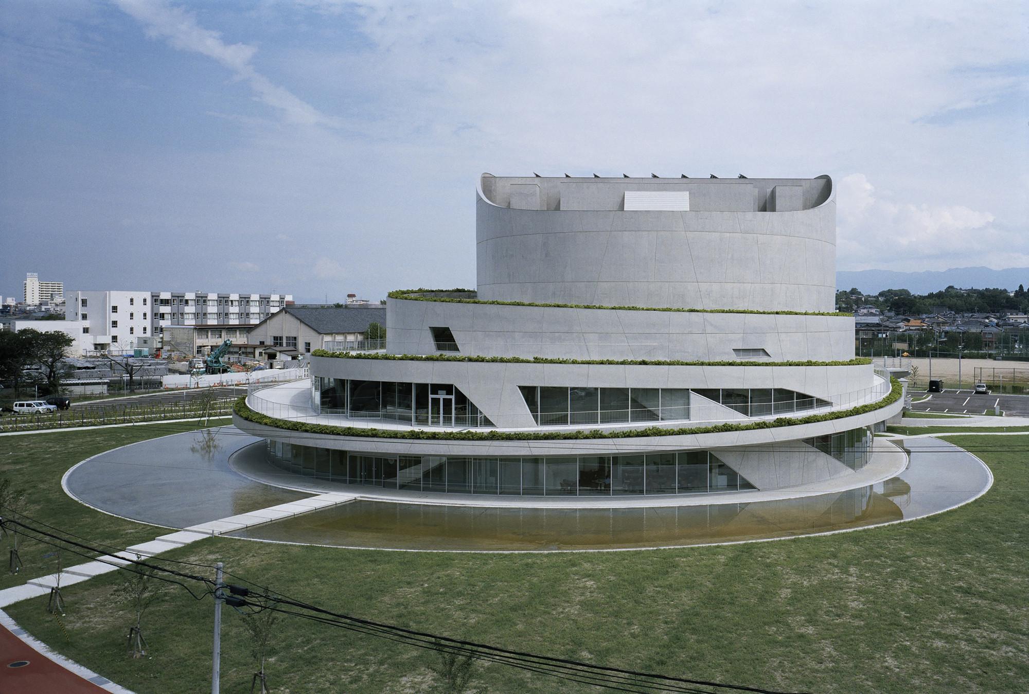 Akiha ward cultural center chiaki arai urban and Arquitectura and design