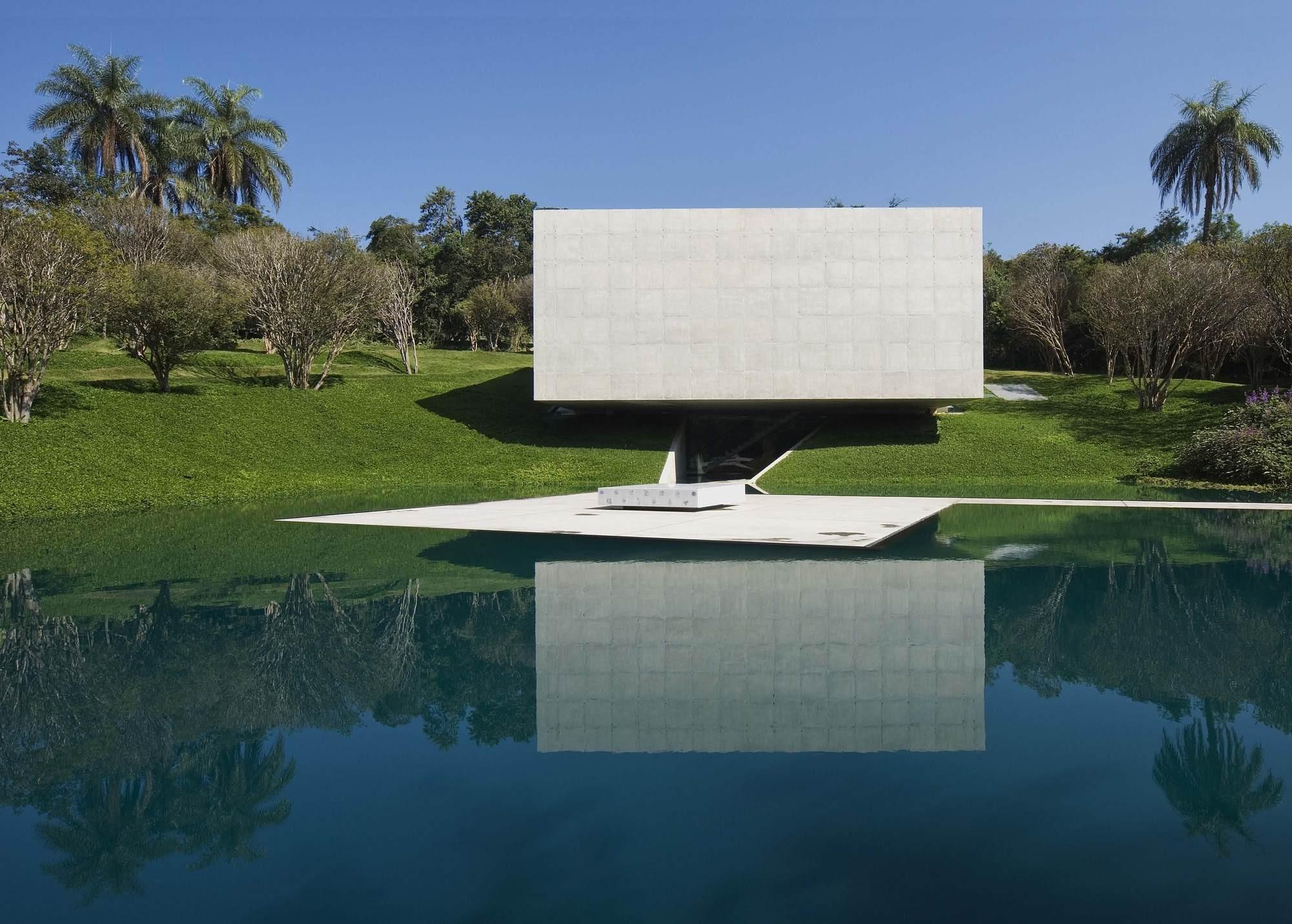 AD Round Up: Architecture in Brazil II, Adriana Varejão Gallery / Tacoa Arquitetos. Image © Eduardo Eckenfels