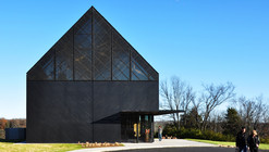 Wild Turkey Bourbon Visitor Center / De Leon & Primmer Architecture Workshop