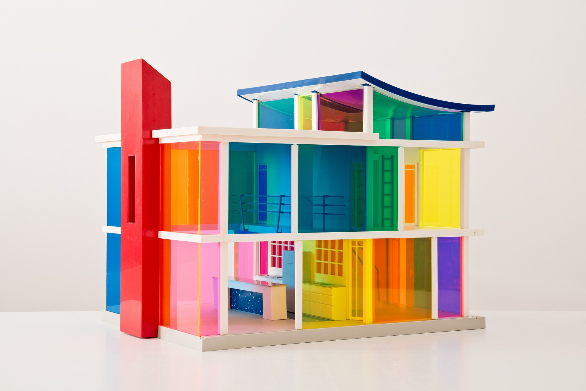 "Exhibition: What Models Can Do, Laurie Simmons & Peter Wheelwright, ""Kaleidoscope House"", 2001 © Simmons/Wheelwright. Photo Christian Wickler"