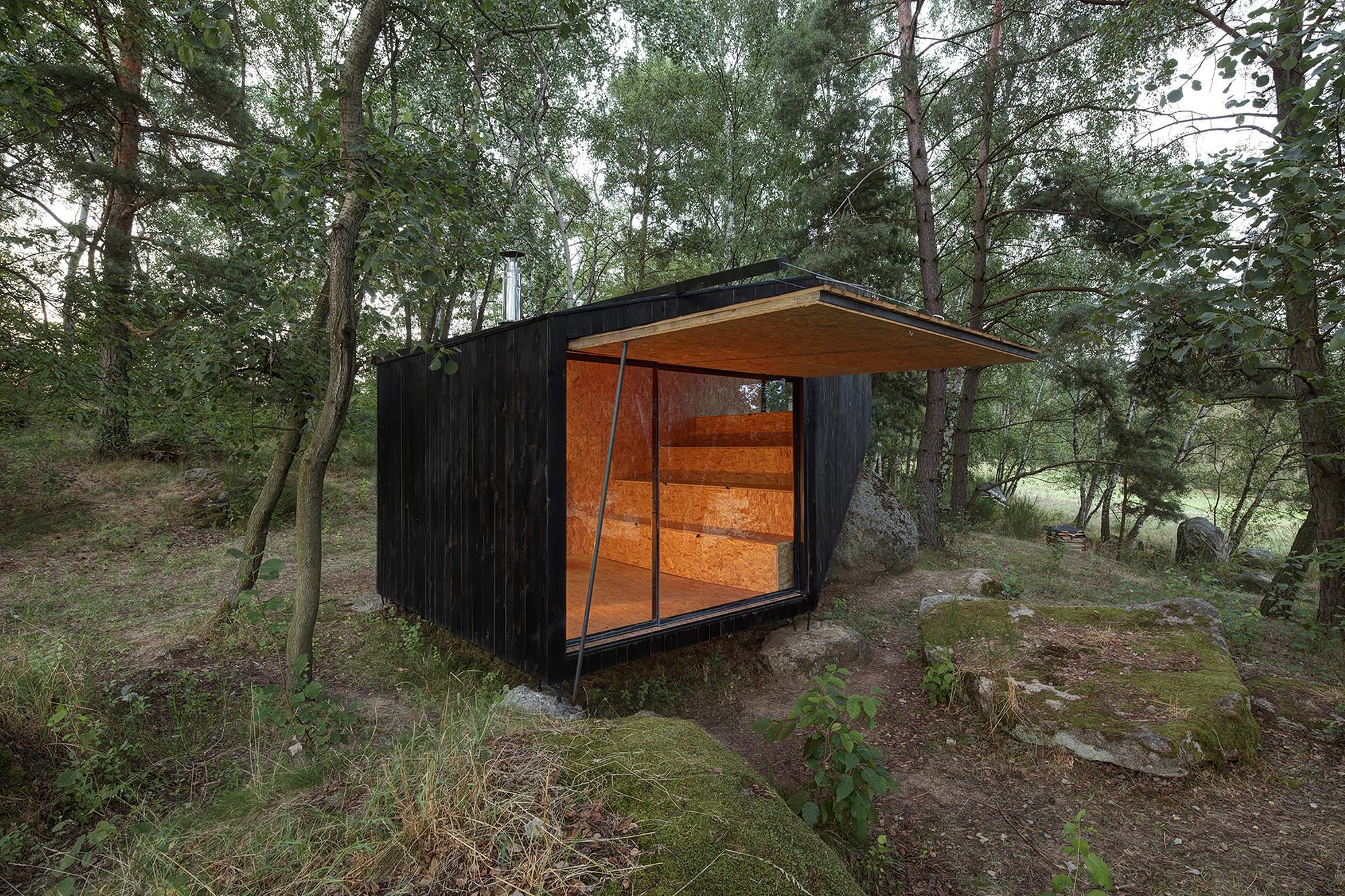 Gallery of forest retreat uhlik architekti 2 for Case moderne poco costose